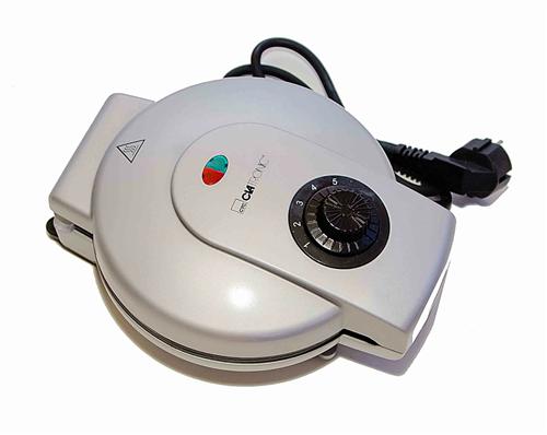 Вафельница электрическая Clatronic HA 3277